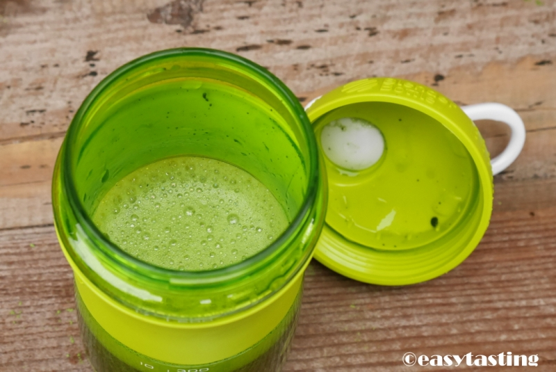 Matcha mixen in Blender Bottle Bünting